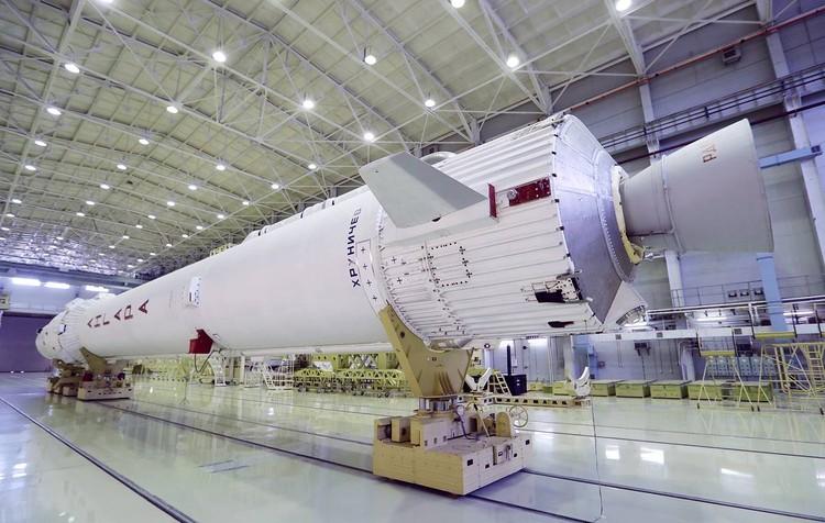 Ракета-носитель «Ангара» в цехах ГКНПЦ им. Хруничева. Фото: пресс-служба Роскосмоса