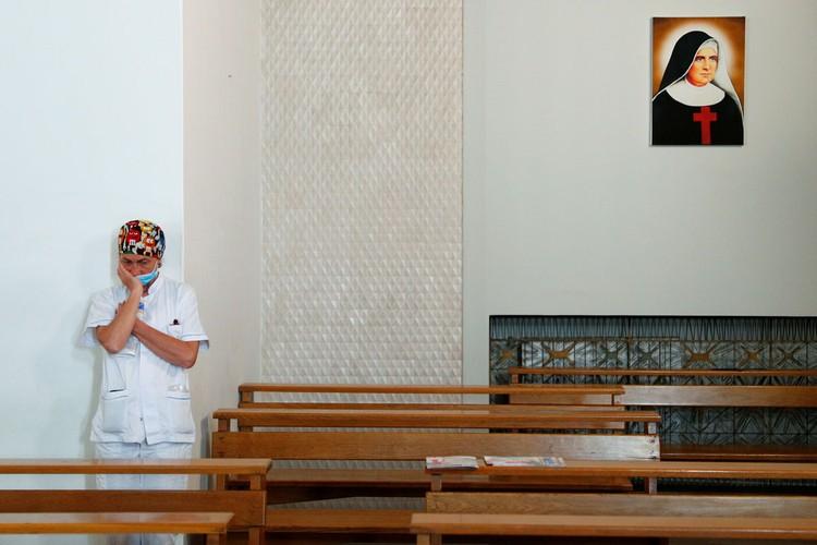 Пасхальные праздники прошли в непривычных условиях: большинство стран просто закрыло церкви и запретило массовые собрания.