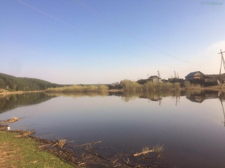 """Река Усолка 27 апреля 2020 года, в день, когда все случилось. Фото: издание """"Сельский труженик""""."""
