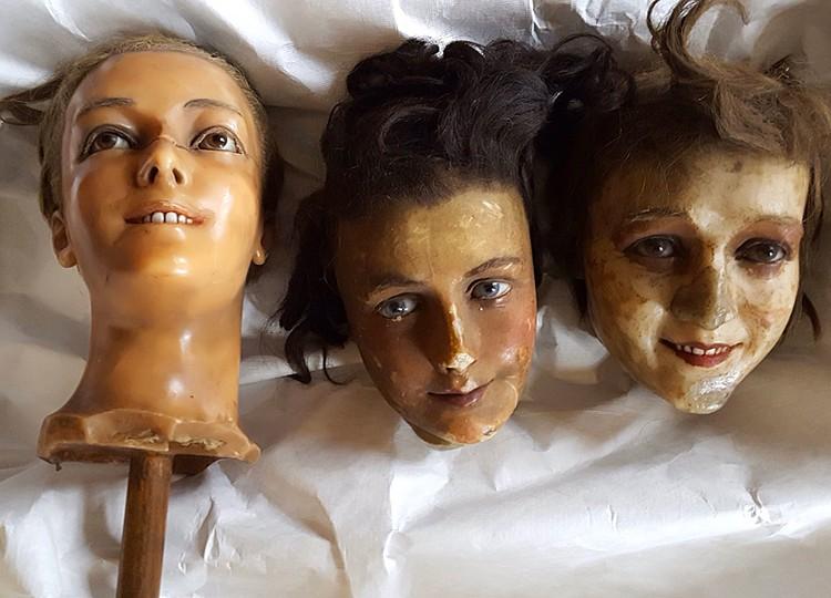 Куклы с человеческими зубами