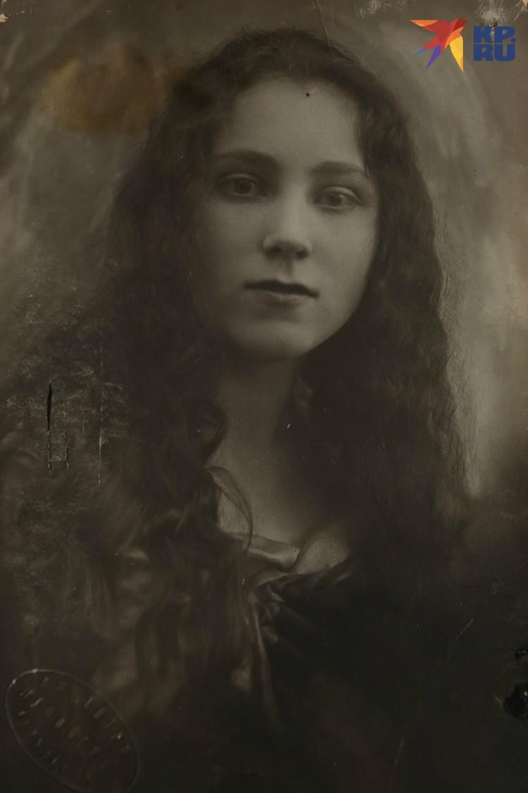 Мама Регины Елизавета Гинденберг. Фото: Из семейного архива. Пересъемка: Олег ЗОЛОТО