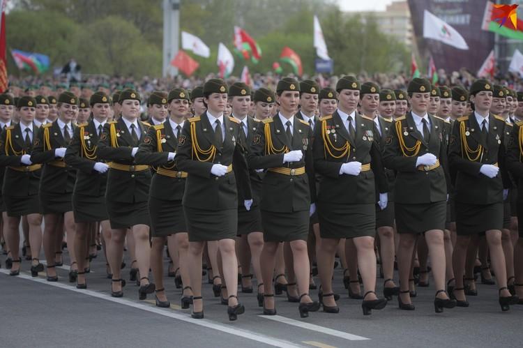 Сегодня в белорусской армии служит около 4 тысяч женщин.