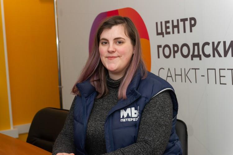 Анастасия приходит в волонтерский штаб практически каждый день