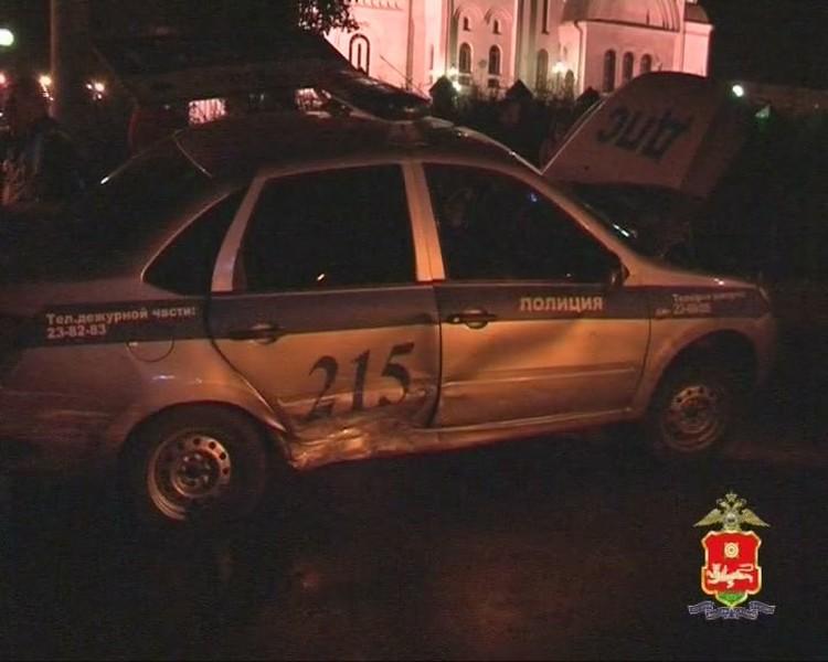 Буквально через пару недель после суда по первому уголовному делу за пьяную езду, Гоша вновь отличился - протаранил патрульную машину. Стоп-кадр видео