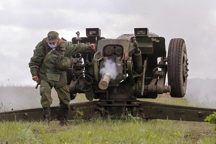 Учения артиллеристов ДНР под Горловкой, май 2020 года.
