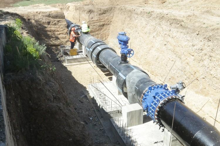 Реконструкция водовода для подачи артезианской воды в Симферополь. Фото: Юрий Гоцанюк / Faсebook