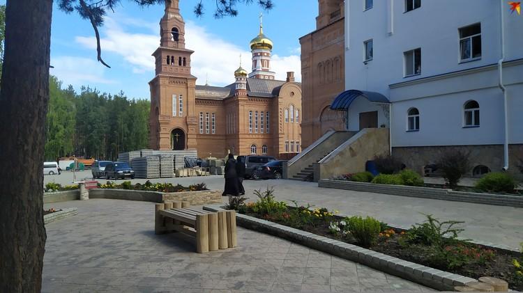Территория монастыря довольно обширная