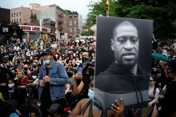 Гибель 46-летнего афроамериканца Джорджа Флойда привела к протестам