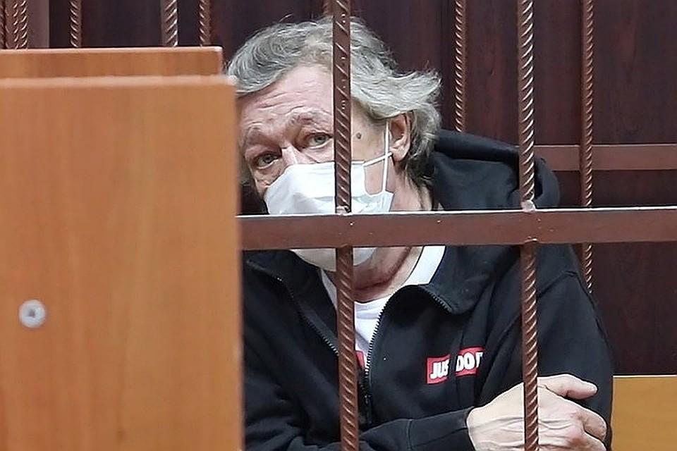 Михаил Ефремов до 9 августа будет сидеть под домашним арестом. Фото: пресс-служба Таганского суда.