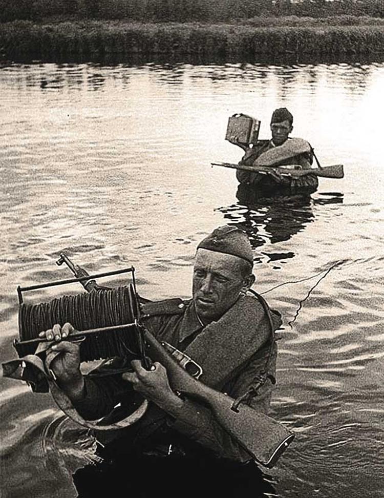 Самое тяжелое на войне - это нехватка воды. Фото: Mary Evans Picture Library/ALEXA/ТАСС
