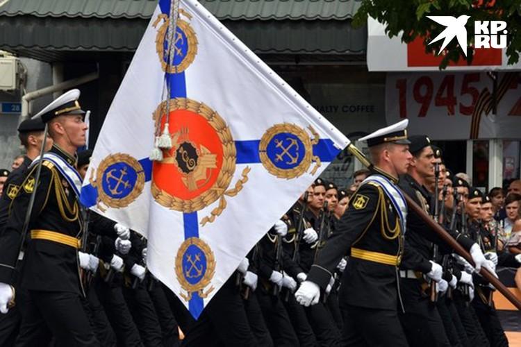 Моряки Черноморского флота во время парада.