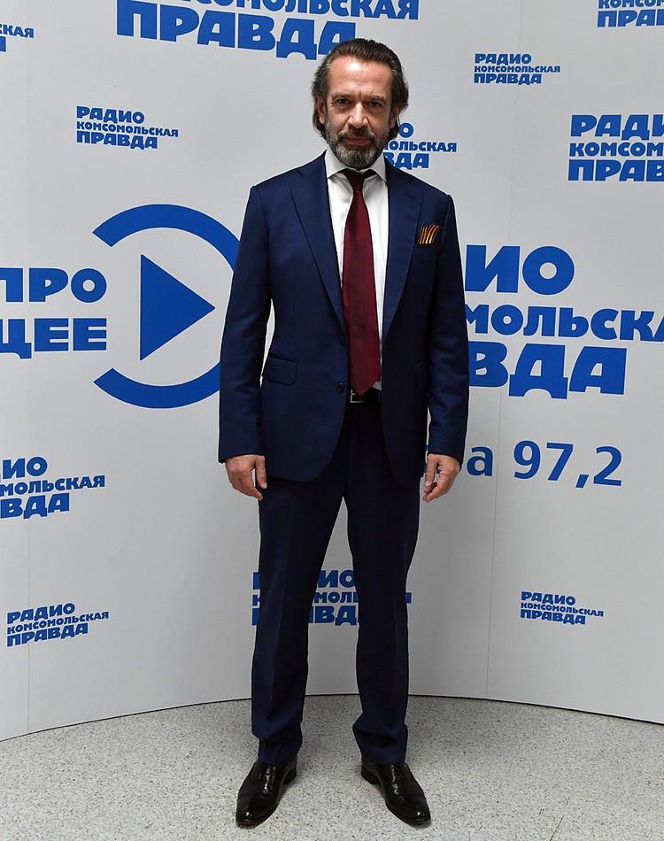 Народный артист России поговорил о границах, языке, Пугачеве и Голливуде