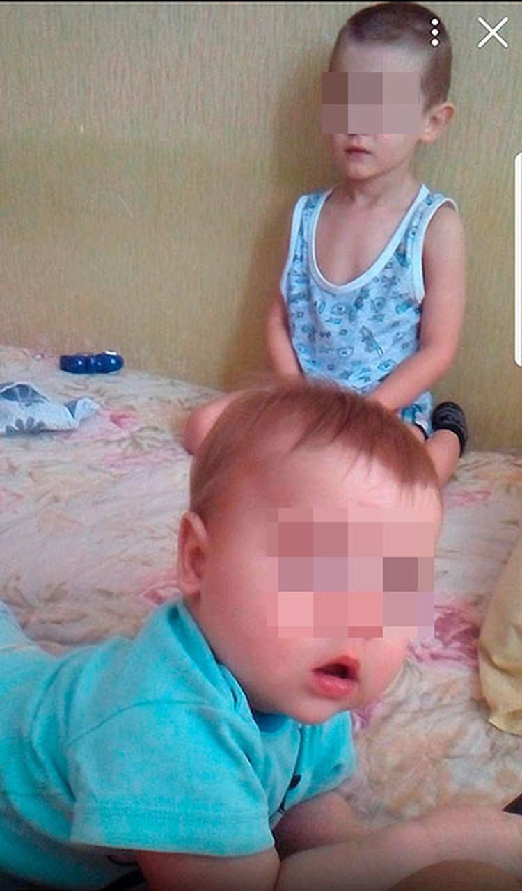 По данным волонтеров, у девушки двое детей, один сейчас в детдоме, второй - с ней и ее родственниками