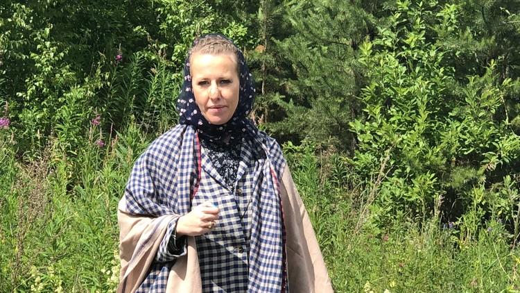 На территорию монастыря Ксении Собчак пришлось прорываться с боем