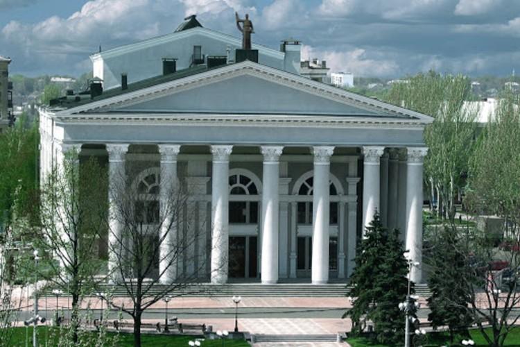 Три месяца театры работали для своих зрителей в режиме онлайн. Фото: muzdrama.ru