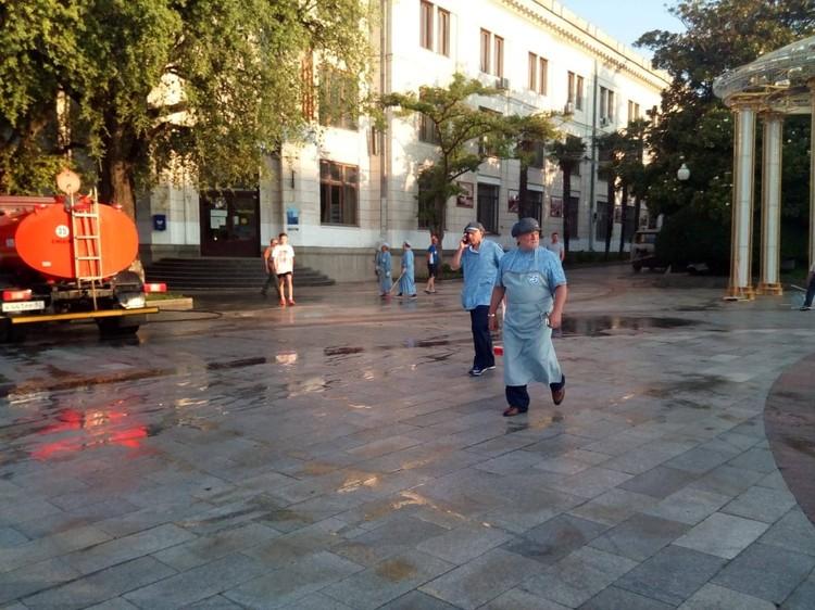 Градоначальник остался доволен результатами своего труда. Фото: Иван Имгрунт/VK