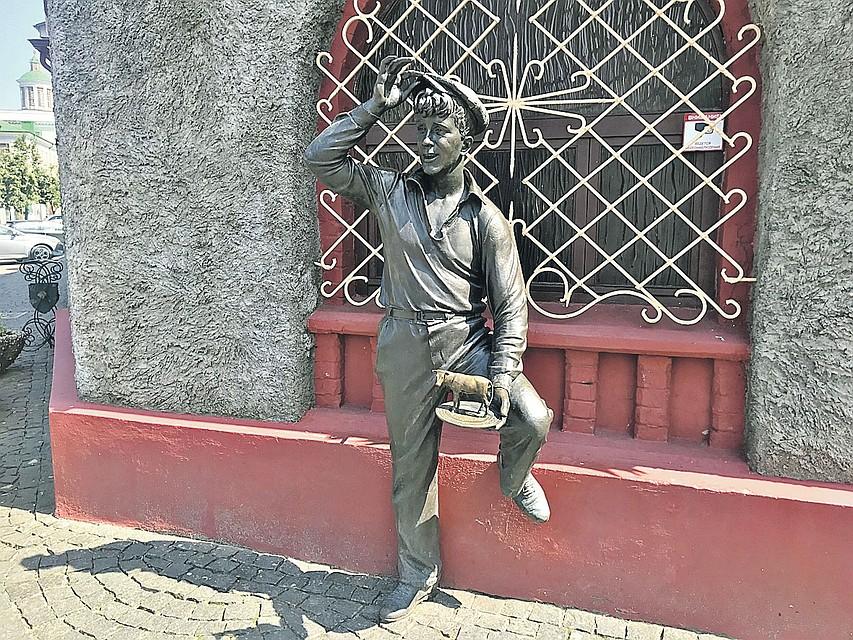 Шура Балаганов теперь символ Бобруйска. Фото: Владимир ВОЛОШИН