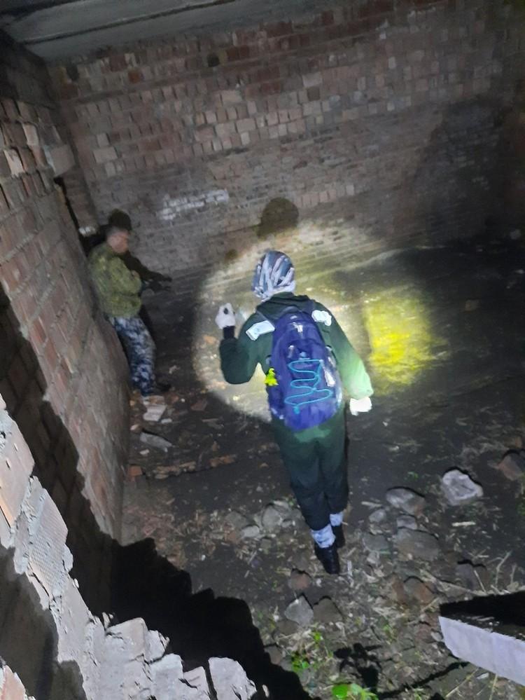 """Мальчика ищут и в заброшенных зданиях. Фото: """"Лиза Алерт"""""""