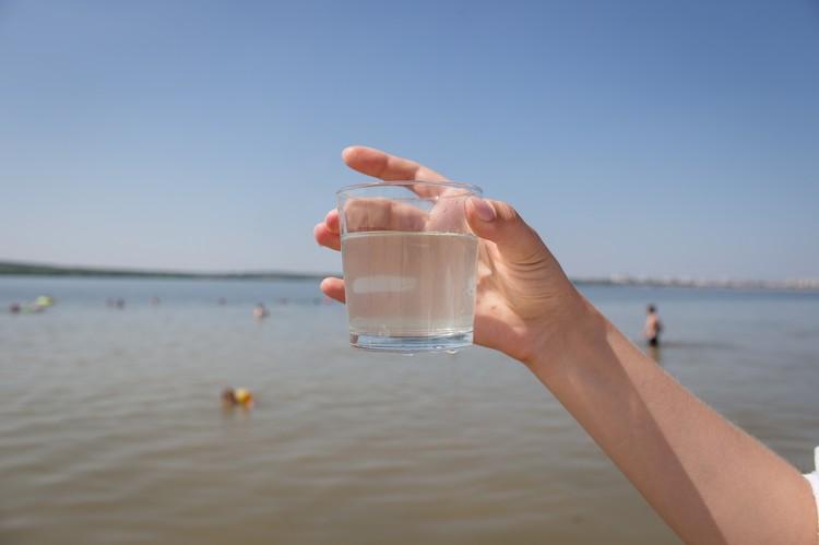 Вода прозрачная, запаха нет.