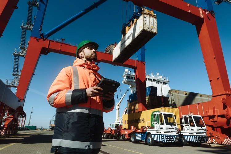За бесперебойную работу порта отвечает более тысячи человек. Фото: предоставлено ММПК «Бронка».