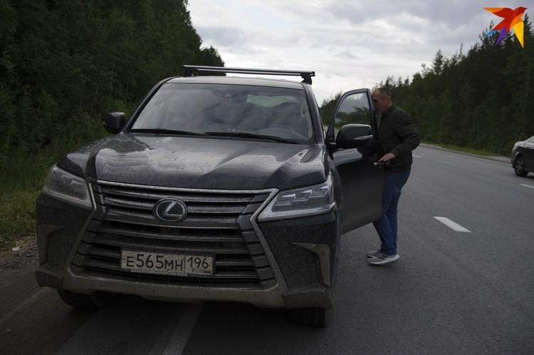Дмитрий Соколов во время визита в Среднеуральский женский монастырь. В тот день в обители напали на Ксению Собчак.