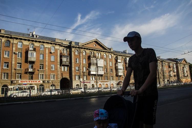 До 1949 года улица Победы называлась Второй улицей Безымянки, в тот период она была застроена монументальными Сталинками