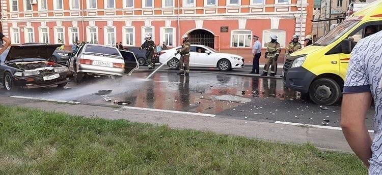 Фото: паблик «Нижний Новгород  БЕЗ ЦЕНЗУРЫ » Вконтакте