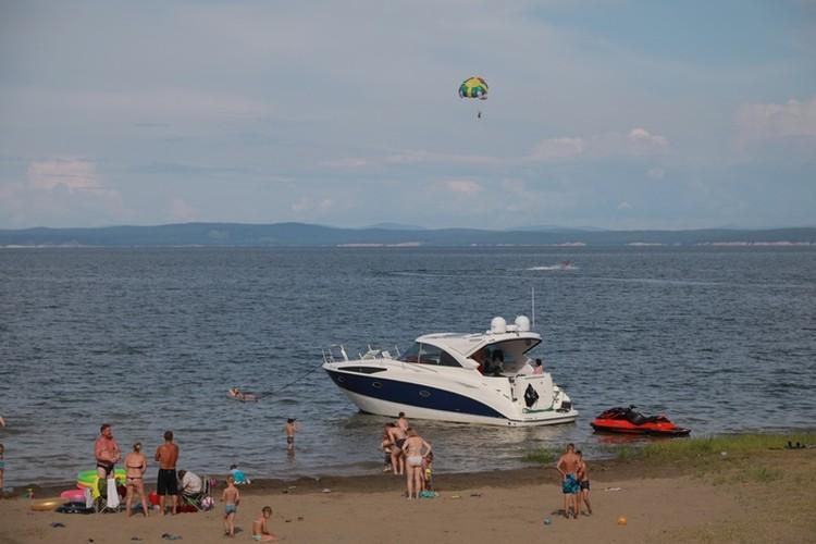 Выехать за город, на озера с песчанными берегами - не у всех есть такая возможность