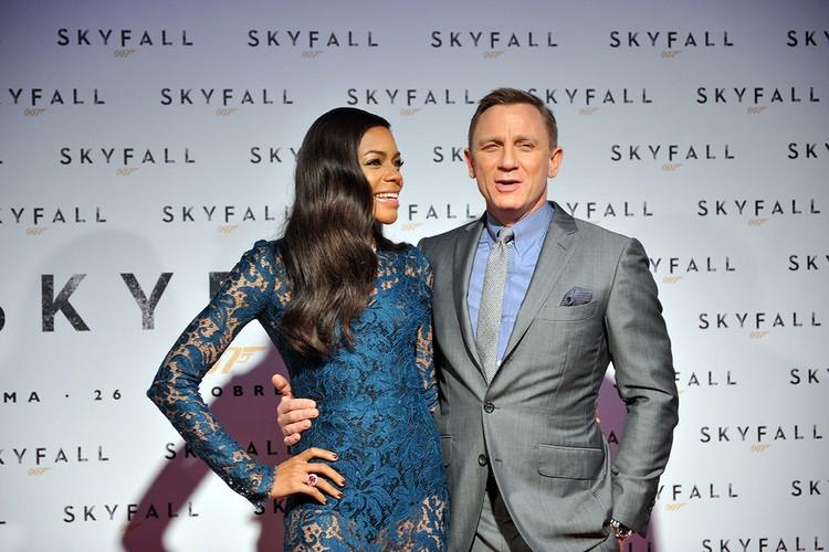 Агент 007, типичный соблазнитель и мужчина с длинным пистолетом — тоже готов убивать за права женщин.