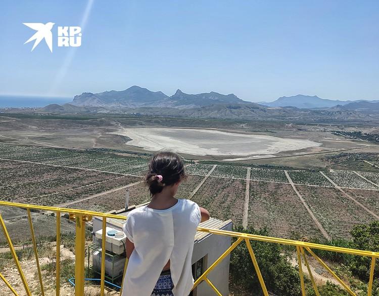 Вид на пересохшее озеро Бараколь.