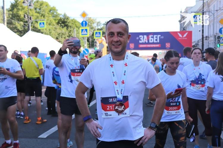 Борис Пиотровский взял дистанцию 10 километров и параллельно успевал выкладывать видео в Instagram