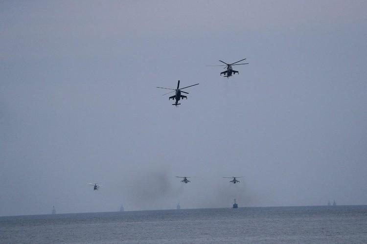 В общей сложности было задействовано 18 самолетов и вертолетов морской авиации.