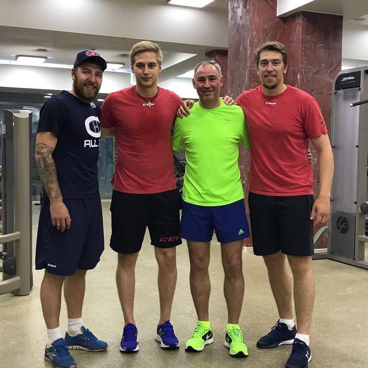 Никита Нестеров не прочь потренироваться в спортзале с друзьями. Фото: https://www.instagram.com/p/BVpPIOul2I1/