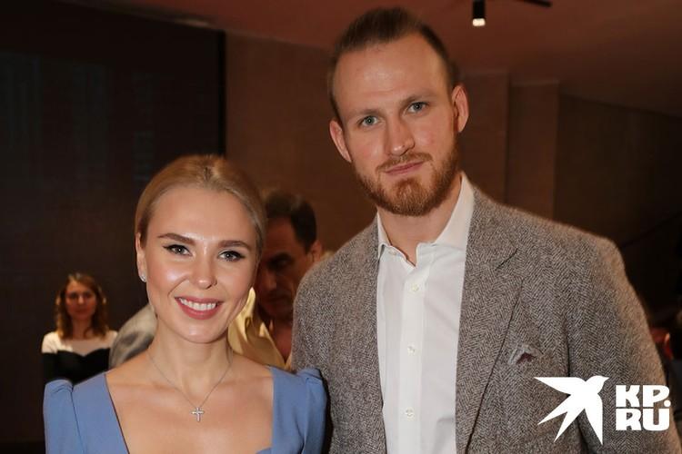 Певица и ее бывший супруг хоккеист Иван Телегин