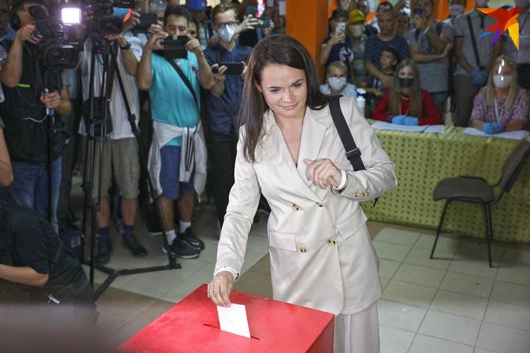 После объявление предварительных итогов выборов Светлана Тихановская заявила, что штаб будет делать все возможное, чтобы оспорить результаты.