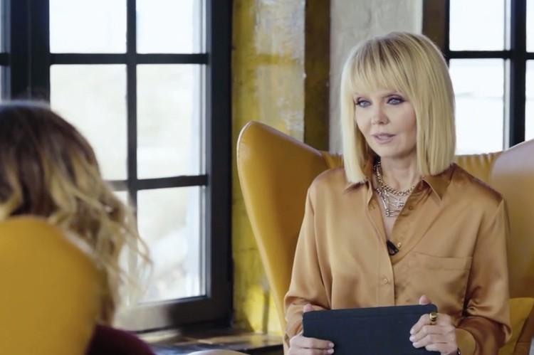 Певица Валерия пригласила челябинку Викторию Школьникову на интервью. Фото: кадр из видео youtube.com/Между нами