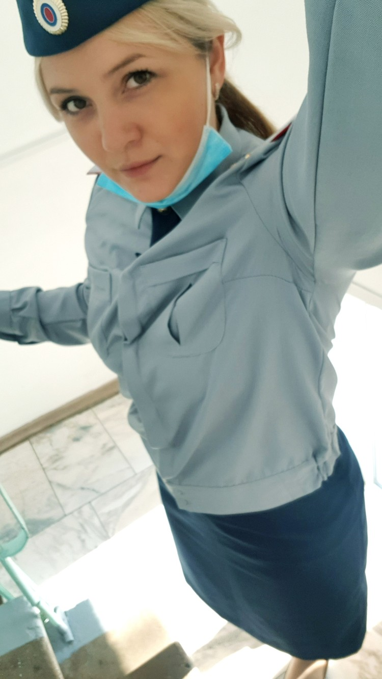 Светлана работает в колонии инспектором по безопасности
