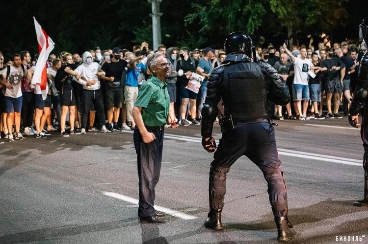 Протесты в Бресте 10 августа. Фото: Роман ЧМЕЛЬ, городской журнал «Бинокль»