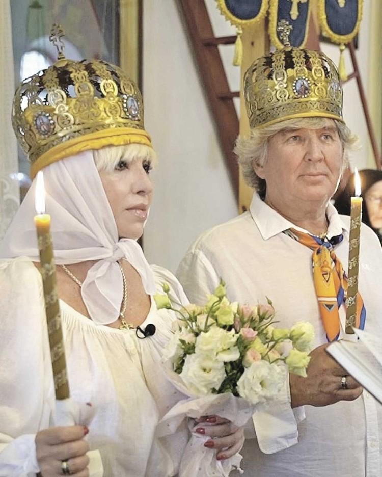 Валентина и Юрий обвенчались в июне. Через два месяца Легкоступова умерла.