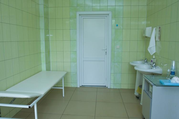 На шахте оборудовано специальное помещение для временной изоляции больного коронавирусом, но пока оно не пригодилось.
