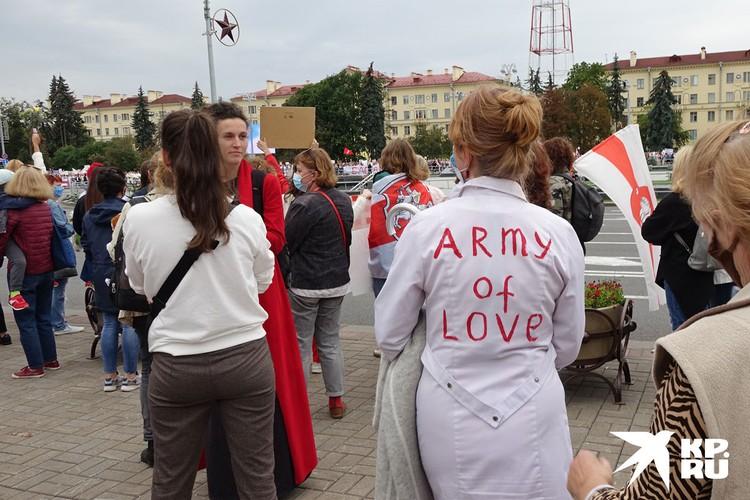 Женщины вышли на парад протеста в Минске