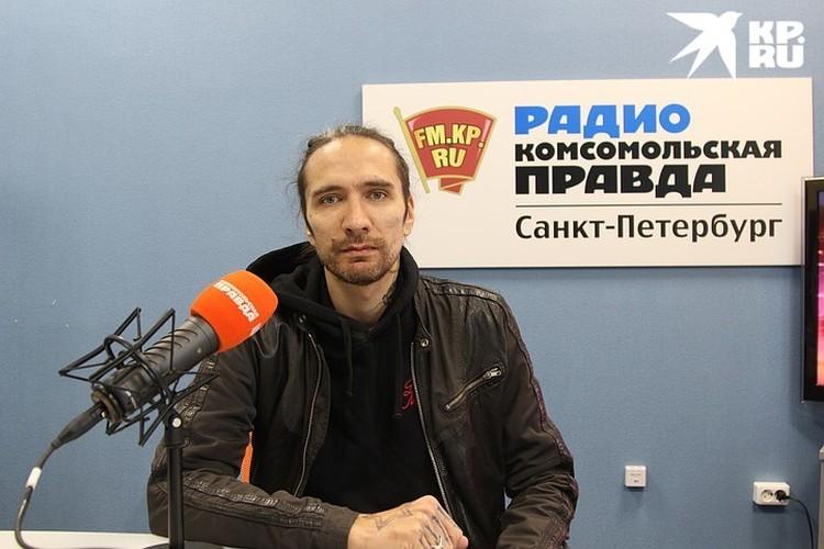 Против фильма выступил сын Виктора Цоя Александр.