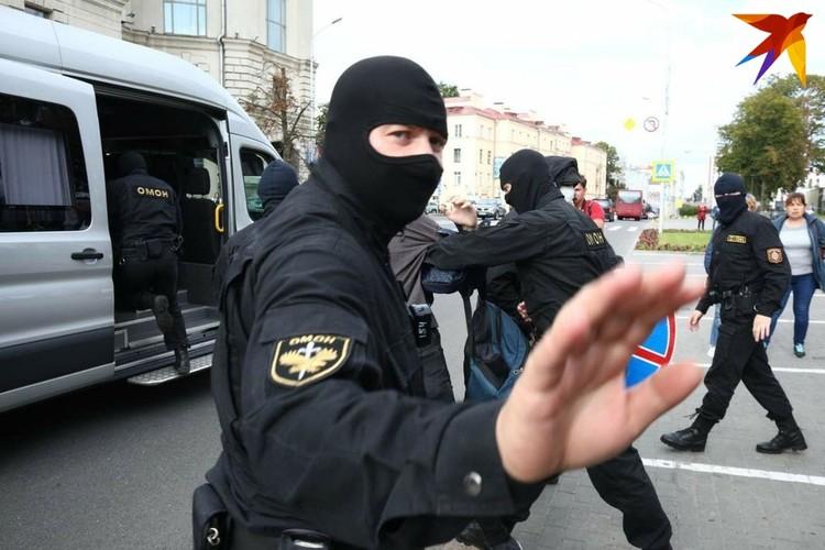 Журналисты были задержаны для проверки аккредитации