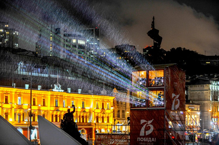 Огромный проектор установили на центральной площади