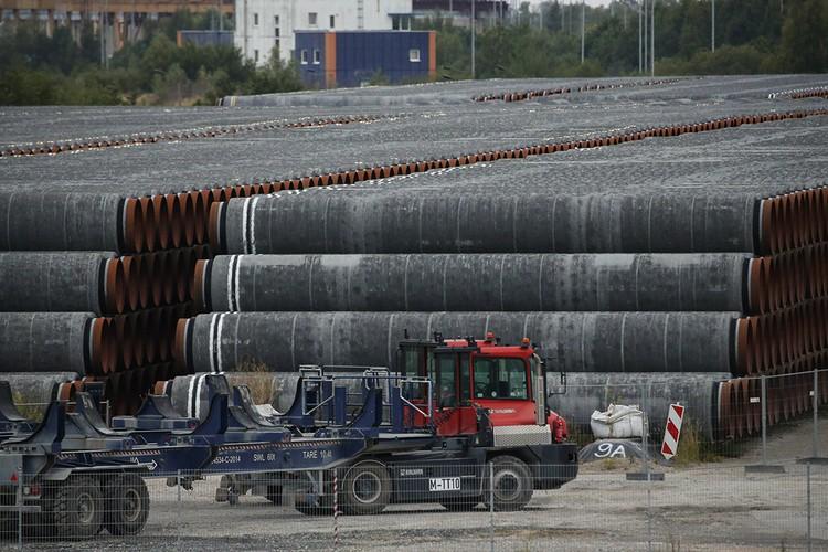 Недавно Дания, в чьих территориальных водах замерла прокладка газопровода, согласовала работу всех необходимых российской стороне судов. Так что «Северный поток – 2» оживает.