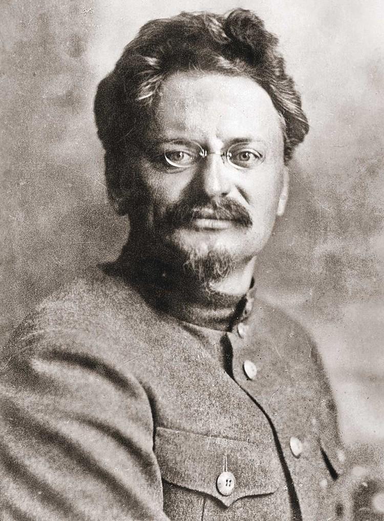 Льва Давидовича называли «демон революции».