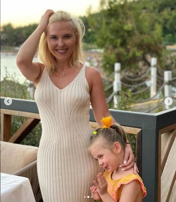 Певица выбрала для отпуска с дочкой турецкий курорт. Фото: Инстаграм.