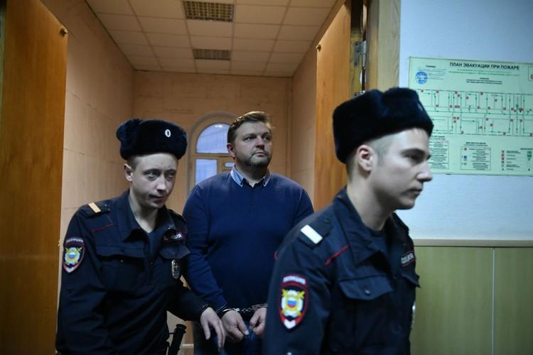 4 сентября экс-губернатора этапировали в Киров на допрос в качестве свидетеля по делу «КРИК».