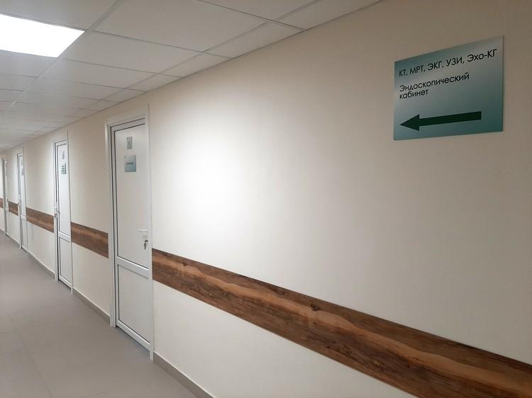 На первом этаже ремонт закончили - здесь расположится приемное отделение всей областной больницы.