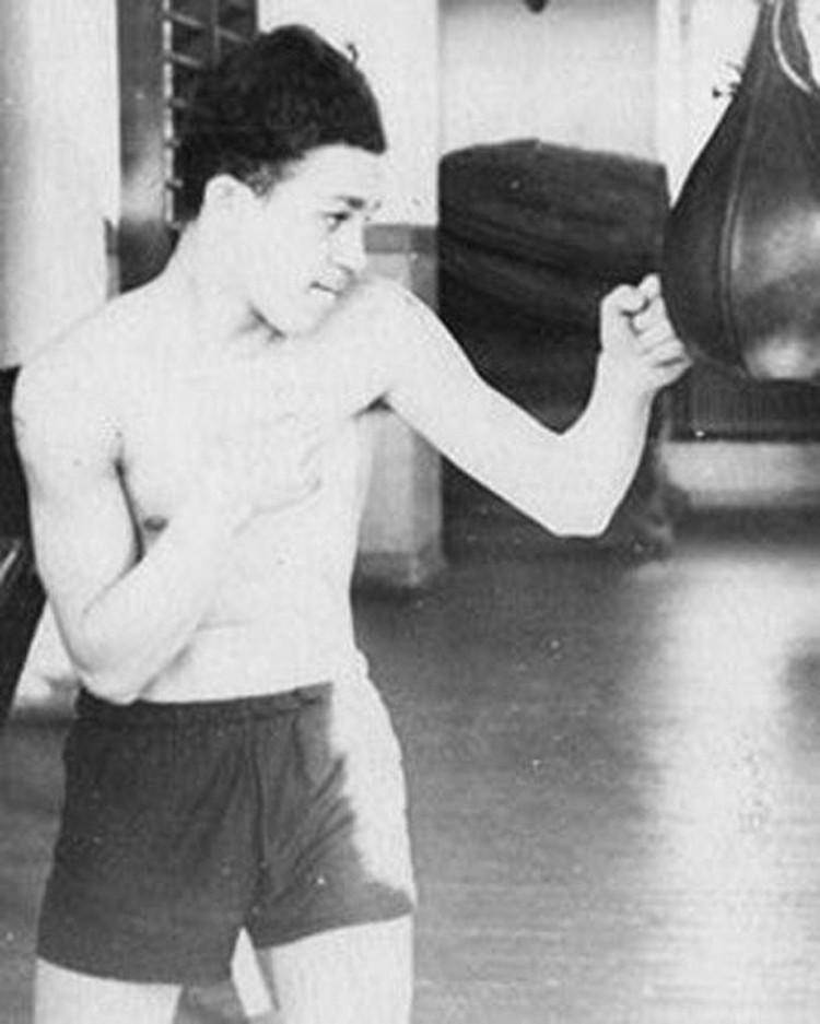 Иосиф Кобзон в на тренировке в Доме спорта, Днепропетровск, 1954 год. Фото: Архив семьи